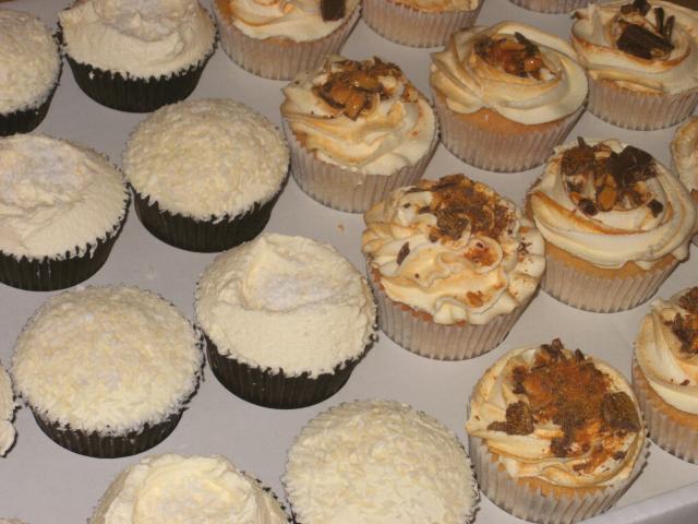 Melie's Cakes (Essex) Swirly cupcakes